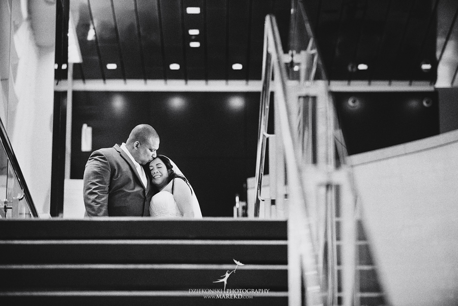 anna-charles-wedding-ceremony-reception-photographer-pictures-grosse-pointe-academy-chapel-war-memorial14