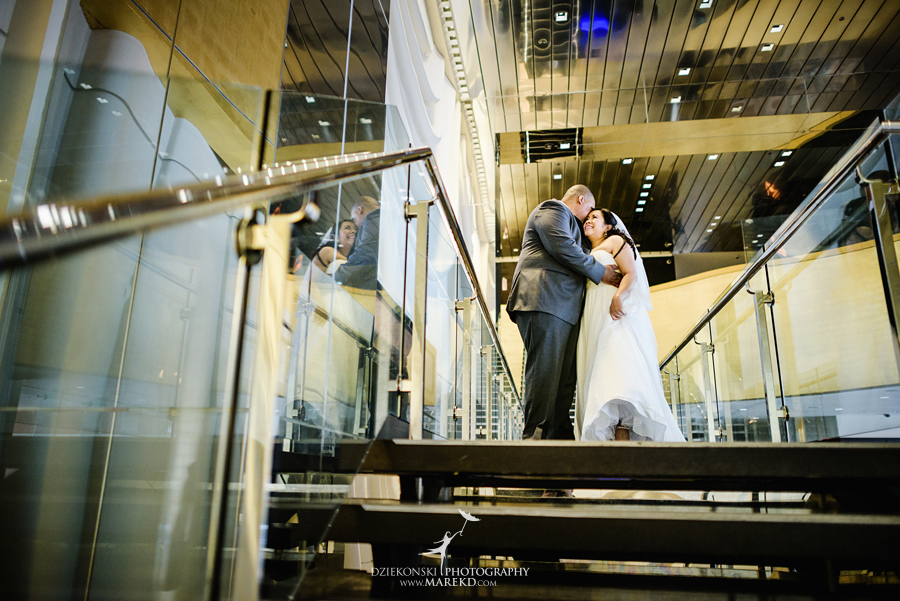 anna-charles-wedding-ceremony-reception-photographer-pictures-grosse-pointe-academy-chapel-war-memorial15