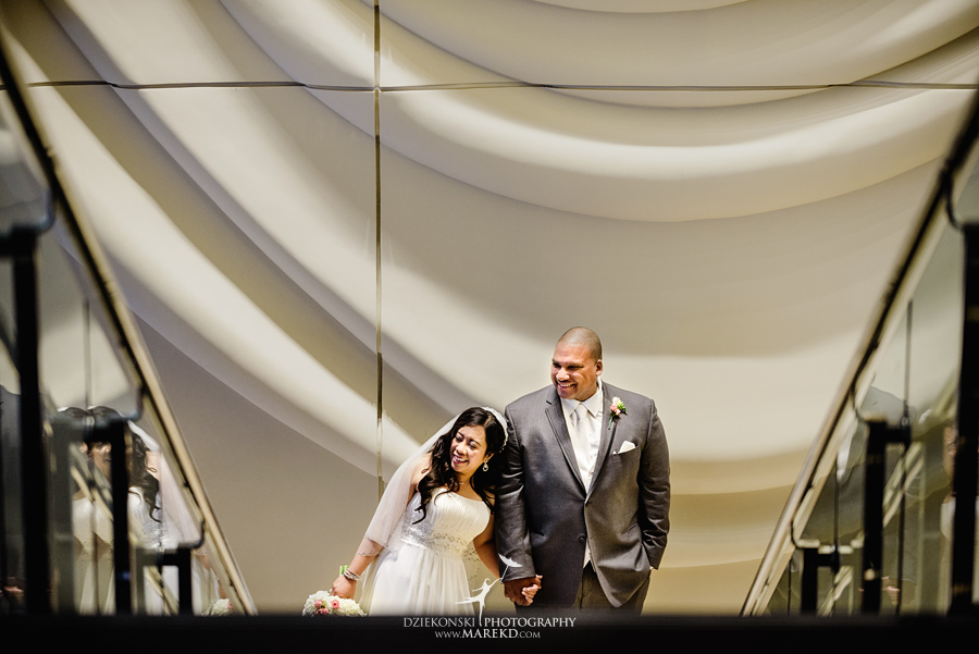 anna-charles-wedding-ceremony-reception-photographer-pictures-grosse-pointe-academy-chapel-war-memorial18