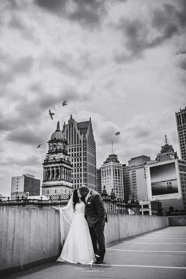 anna-charles-wedding-ceremony-reception-photographer-pictures-grosse-pointe-academy-chapel-war-memorial22