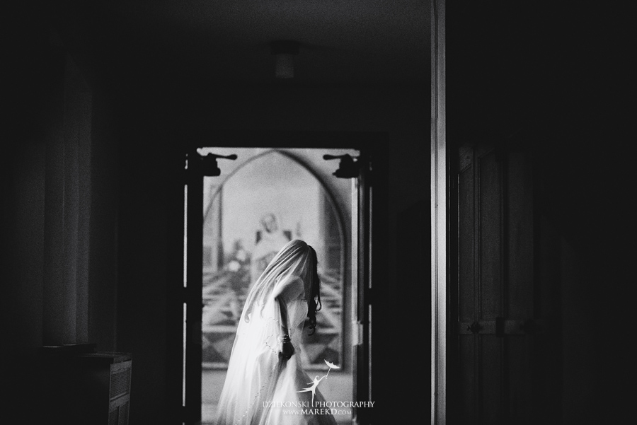 anna-charles-wedding-ceremony-reception-photographer-pictures-grosse-pointe-academy-chapel-war-memorial29