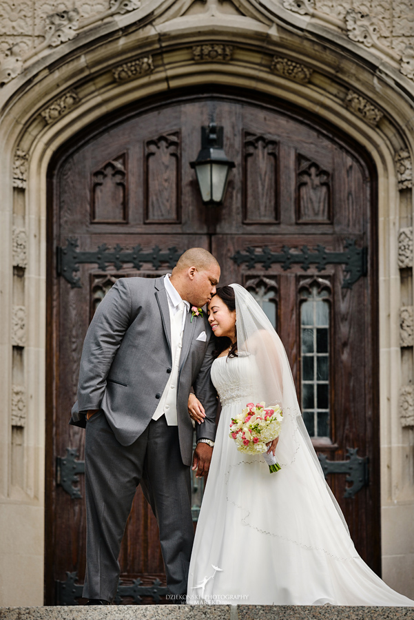 anna-charles-wedding-ceremony-reception-photographer-pictures-grosse-pointe-academy-chapel-war-memorial31