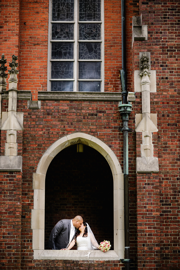 anna-charles-wedding-ceremony-reception-photographer-pictures-grosse-pointe-academy-chapel-war-memorial32