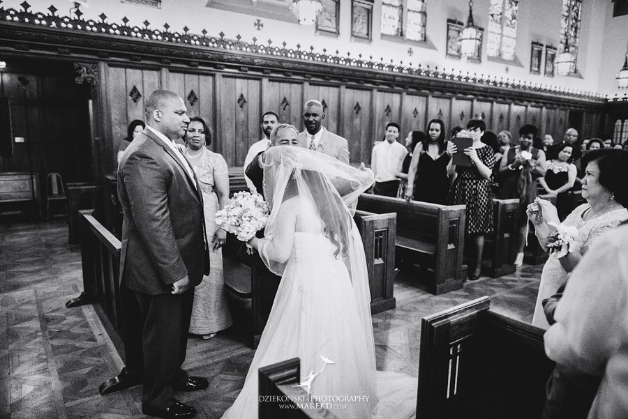 anna-charles-wedding-ceremony-reception-photographer-pictures-grosse-pointe-academy-chapel-war-memorial36