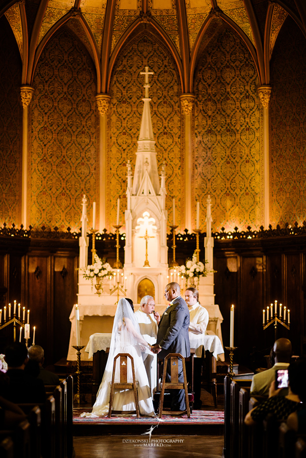 anna-charles-wedding-ceremony-reception-photographer-pictures-grosse-pointe-academy-chapel-war-memorial38
