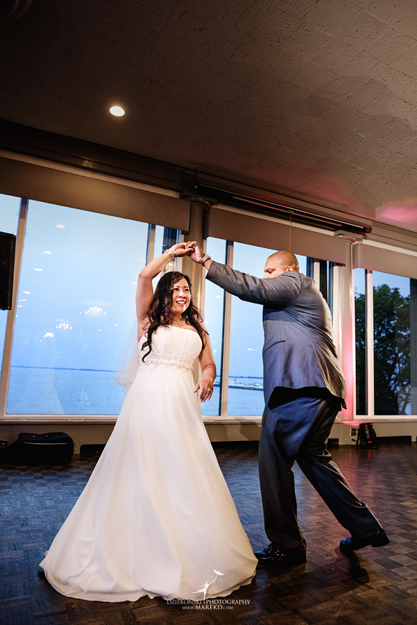 anna-charles-wedding-ceremony-reception-photographer-pictures-grosse-pointe-academy-chapel-war-memorial48
