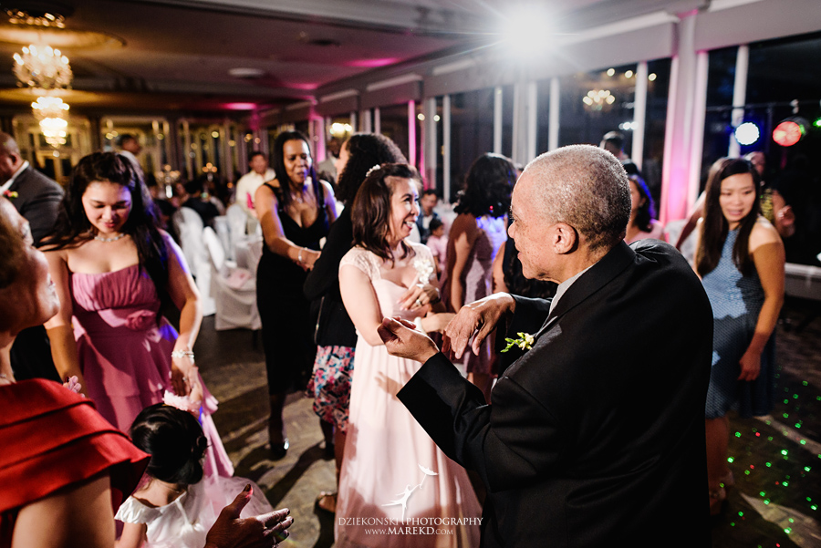 anna-charles-wedding-ceremony-reception-photographer-pictures-grosse-pointe-academy-chapel-war-memorial53
