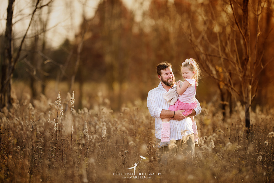 Benoit-Family-fall-session-pictures-photographer-baby-bump-leaves-clarkston-west-bloomfield-birmingham-nature-michigan-leaves-pregnancy-color2