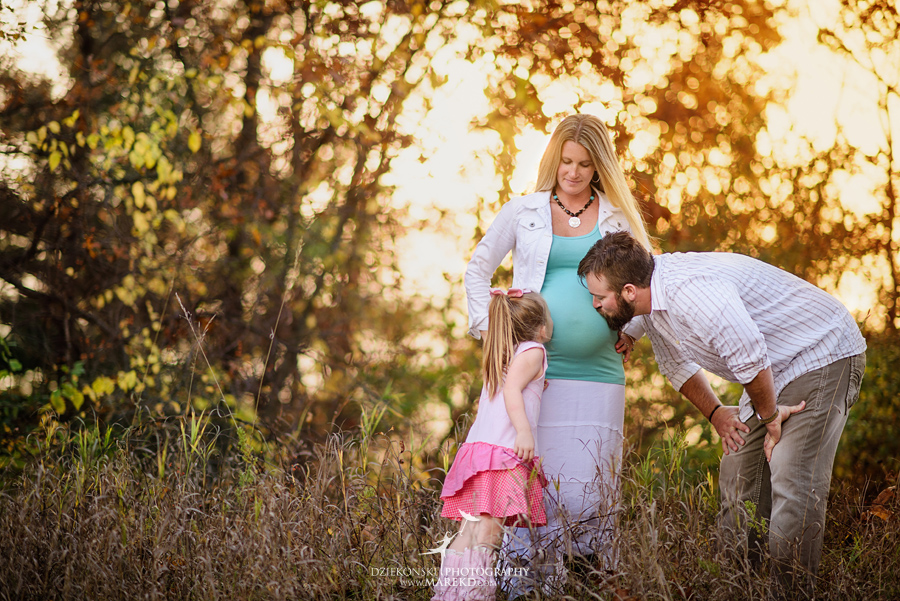 Benoit-Family-fall-session-pictures-photographer-baby-bump-leaves-clarkston-west-bloomfield-birmingham-nature-michigan-leaves-pregnancy-color7