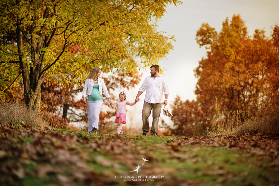 Benoit-Family-fall-session-pictures-photographer-baby-bump-leaves-clarkston-west-bloomfield-birmingham-nature-michigan-leaves-pregnancy-color8