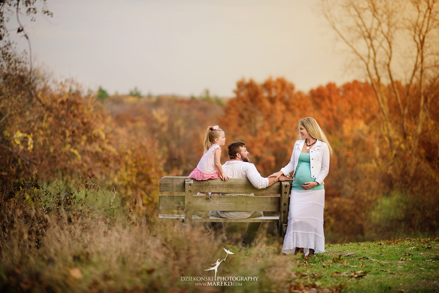 Benoit-Family-fall-session-pictures-photographer-baby-bump-leaves-clarkston-west-bloomfield-birmingham-nature-michigan-leaves-pregnancy-color9