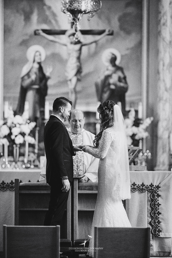 Emily-Ryan-wedding-ceremony-reception-detroit-historical-museum-downtown-central-depot-michigan093
