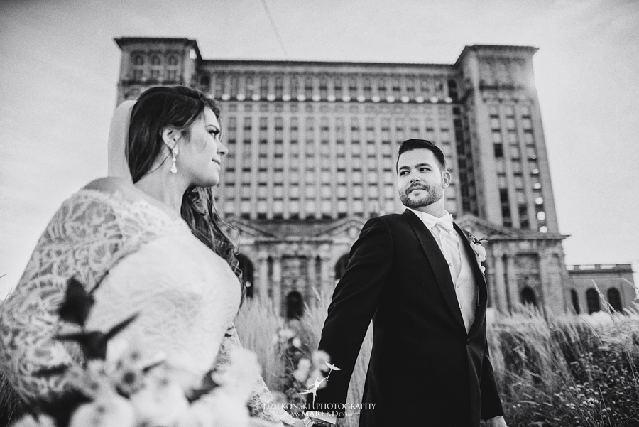 Emily-Ryan-wedding-ceremony-reception-detroit-historical-museum-downtown-central-depot-michigan102