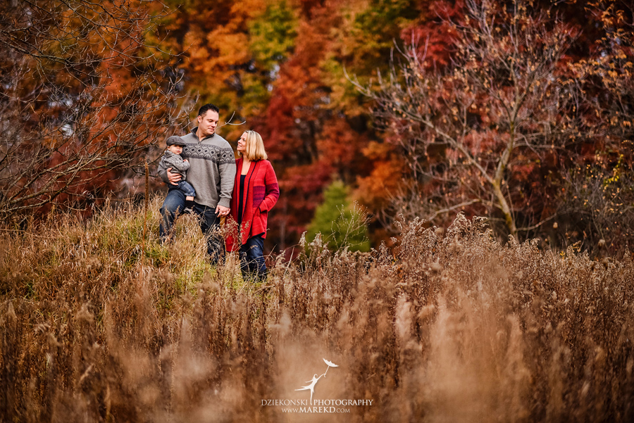 Jeremy-Frances-baby-family-fall-michigan-clarkston-session-pictures-photographer-colors-cute-outfits03