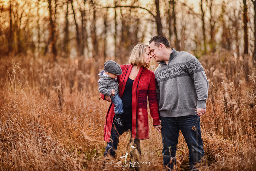 Jeremy-Frances-baby-family-fall-michigan-clarkston-session-pictures-photographer-colors-cute-outfits04