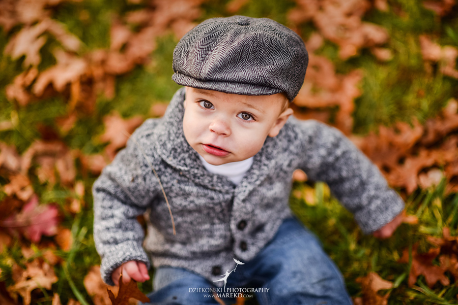 Jeremy-Frances-baby-family-fall-michigan-clarkston-session-pictures-photographer-colors-cute-outfits07