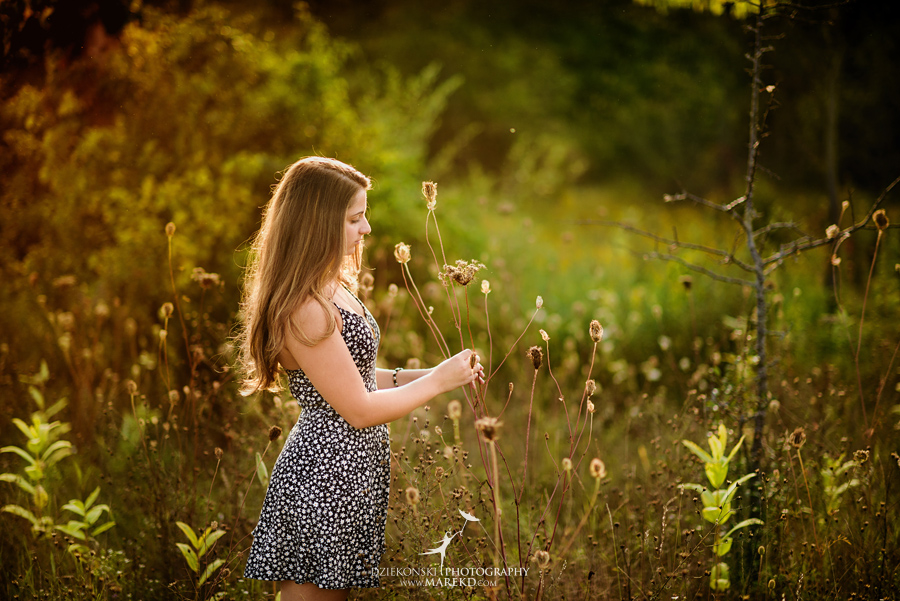 isabela-ebbert-senior-session-pictures-photos-photographer-michigan-clarkston-nature-field-flowers-sky-dress-ideas2