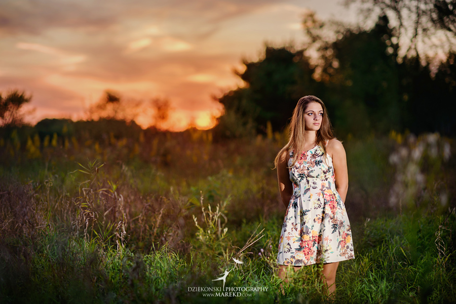 isabela-ebbert-senior-session-pictures-photos-photographer-michigan-clarkston-nature-field-flowers-sky-dress-ideas6