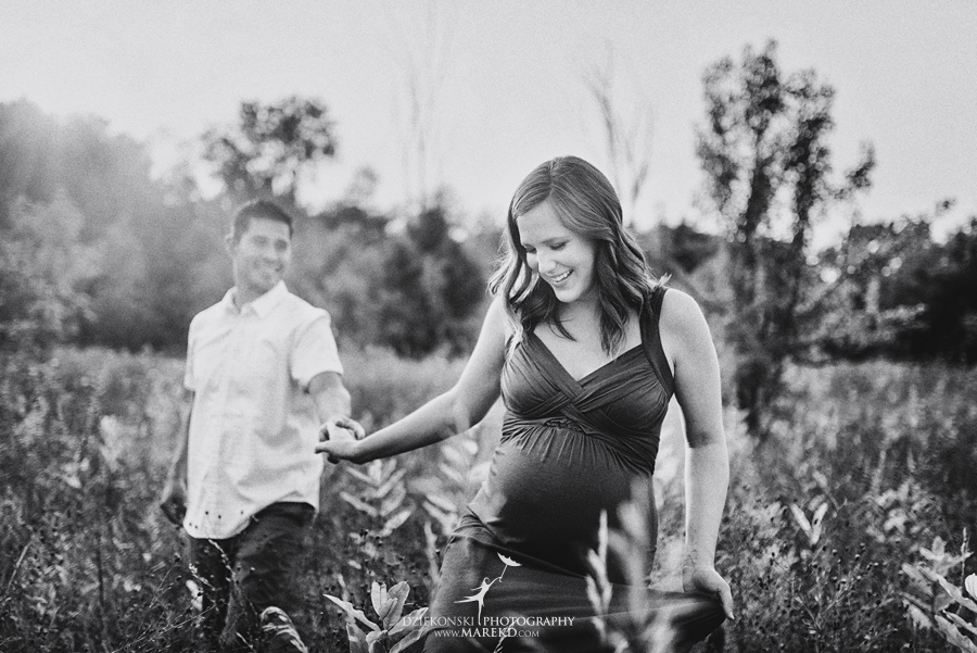 katie-jorge-baby-bump-pregnant-pregnancy-session-pictures-dress-ideas-nature-field-sunset-famiy-photographer-photos02