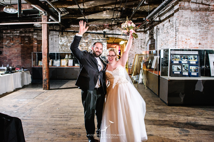 michelle-george-downtown-detroit-grosse-pointe-ford-piquette-plant-wedding-ceremony-reception-industrial-model-t-a-michigan-fall52