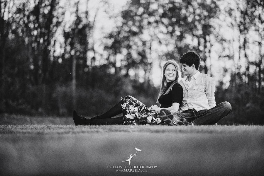 samantha-eric-fall-engagement-session-clarkston-michigan-photographer-metro-detroit-pictures-colors-leaves05