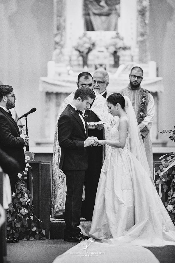 alidz-phil-wedding-ceremony-reception-colony-club-photographer-pictures-fall-armenian-downtown-detroit-michigan34