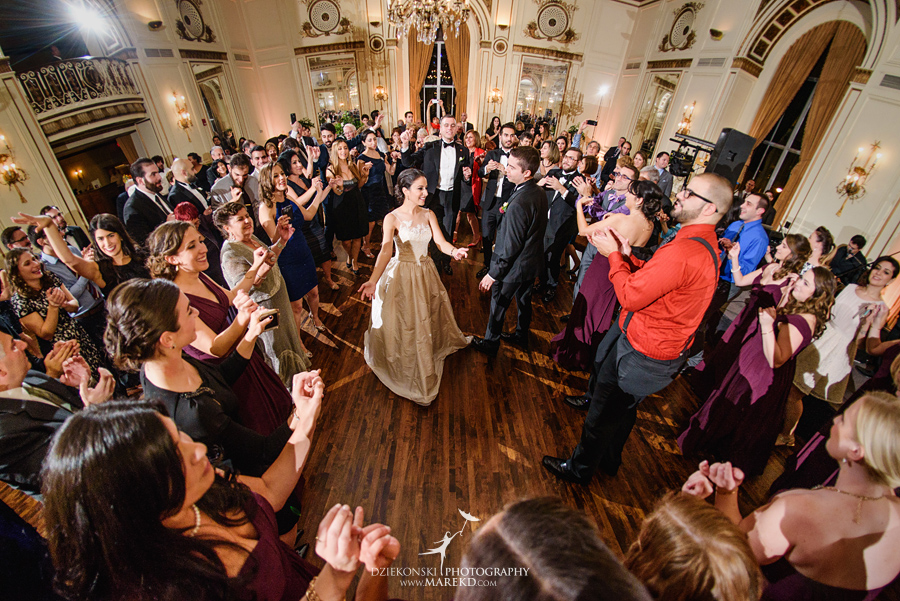 alidz-phil-wedding-ceremony-reception-colony-club-photographer-pictures-fall-armenian-downtown-detroit-michigan45