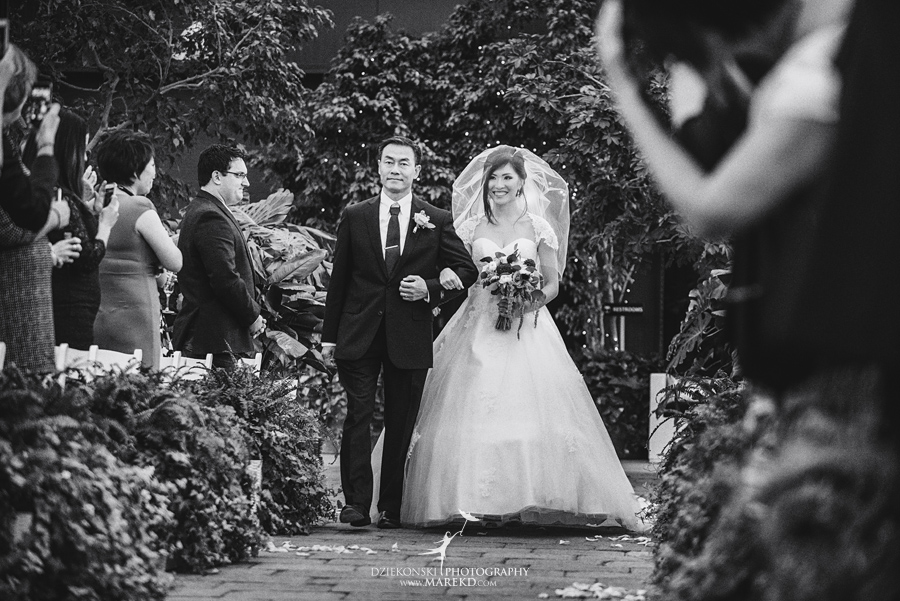 catherine-brian-fall-wedding-ceremony-reception-photographer-pictures-planterra-october-conservatory-west-bloomfield-michigan26