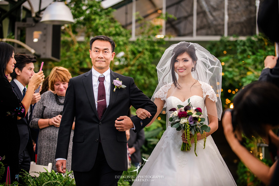catherine-brian-fall-wedding-ceremony-reception-photographer-pictures-planterra-october-conservatory-west-bloomfield-michigan28