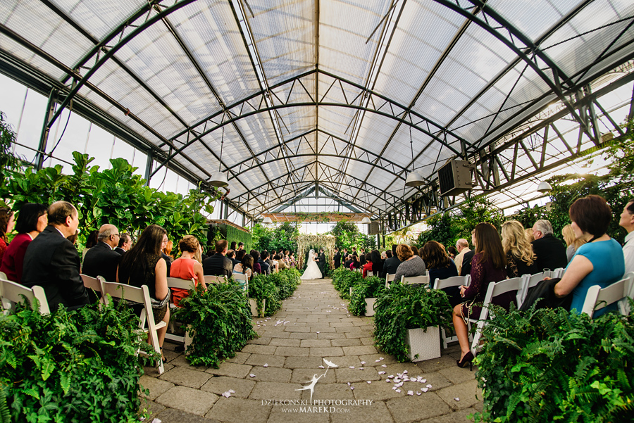 catherine-brian-fall-wedding-ceremony-reception-photographer-pictures-planterra-october-conservatory-west-bloomfield-michigan31