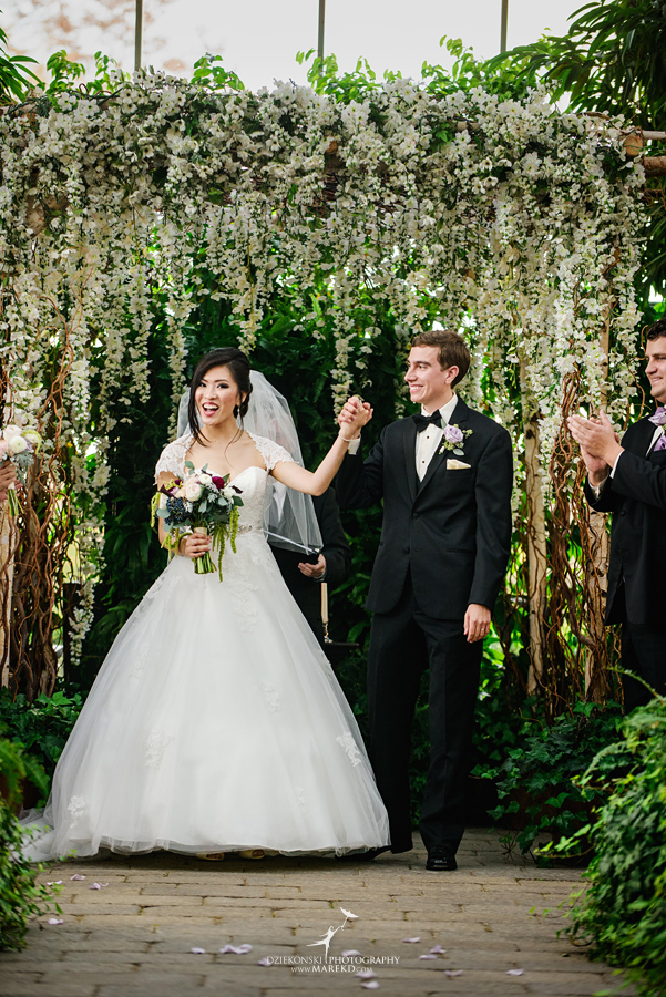 catherine-brian-fall-wedding-ceremony-reception-photographer-pictures-planterra-october-conservatory-west-bloomfield-michigan35