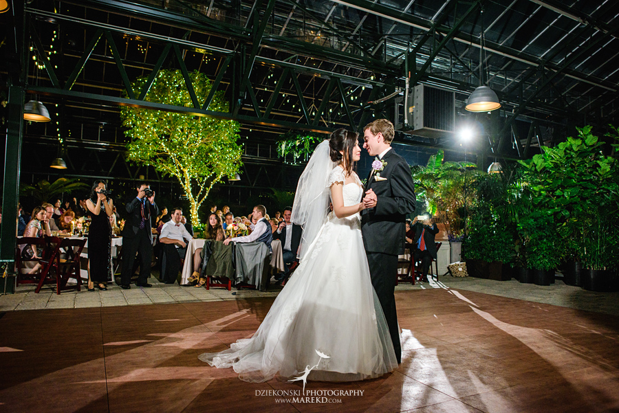 catherine-brian-fall-wedding-ceremony-reception-photographer-pictures-planterra-october-conservatory-west-bloomfield-michigan51