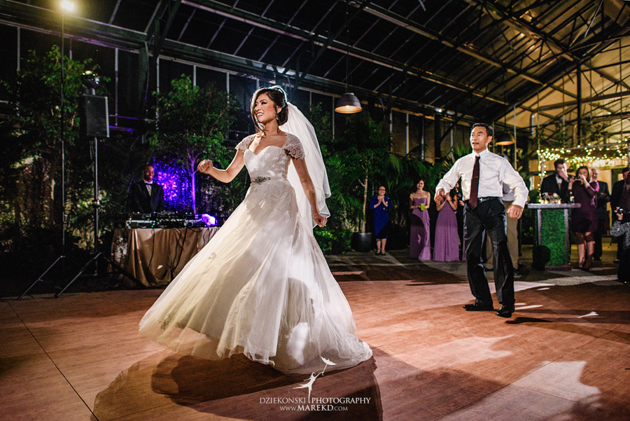 catherine-brian-fall-wedding-ceremony-reception-photographer-pictures-planterra-october-conservatory-west-bloomfield-michigan54