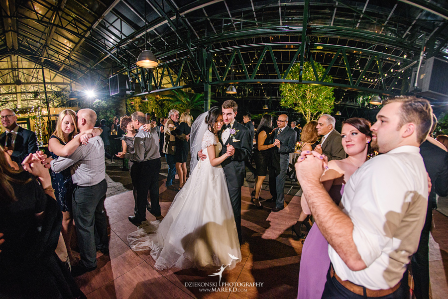 catherine-brian-fall-wedding-ceremony-reception-photographer-pictures-planterra-october-conservatory-west-bloomfield-michigan58