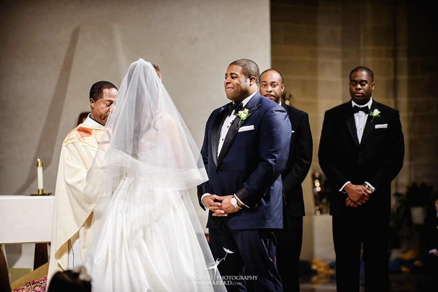 Okezie-LeeAnn-wedding-colony-club-detroit-downtown-mchigan-winter-snow-storm-blessed-sacrament-cathedral-catholic-church24