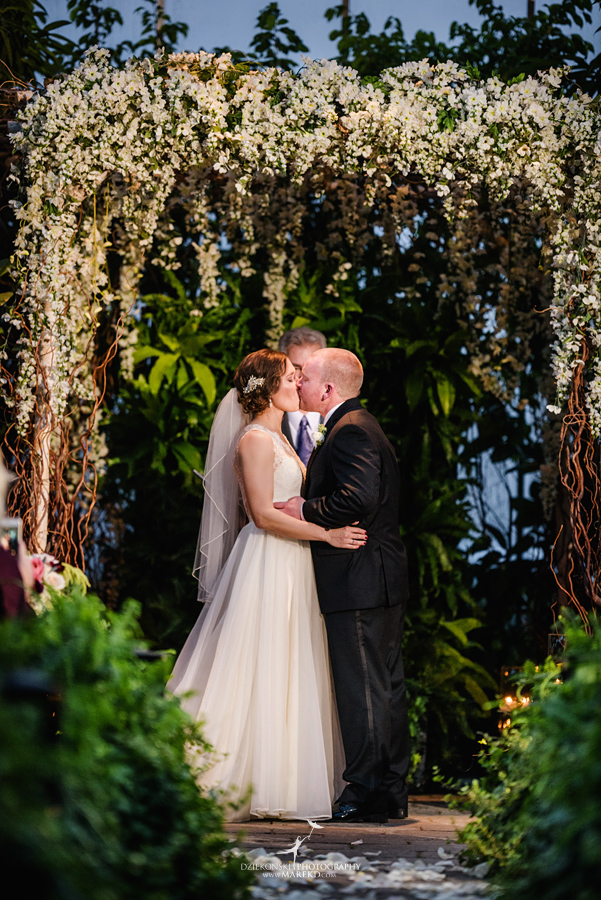 lynn-kirk-planterra-conservatory-ceremony-reception-candle-lit-west-bloomfield-michigan-pictures-photographer33