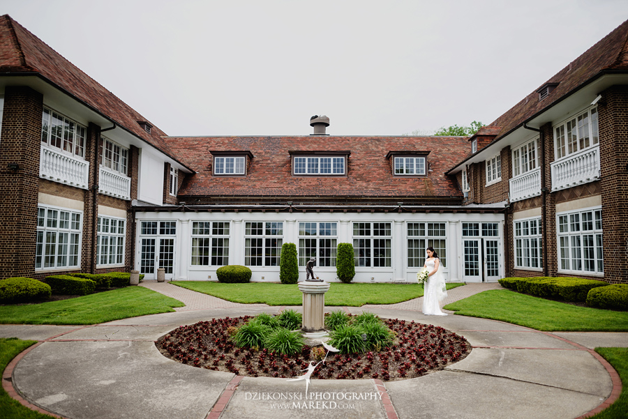 mara-scott-detroit-golf-course-wedding-ceremony-reception-outdoor-spring-photographer-pictures-ideas-michigan17