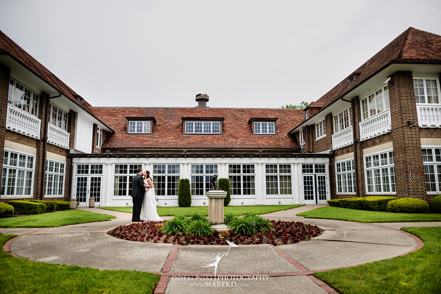mara-scott-detroit-golf-course-wedding-ceremony-reception-outdoor-spring-photographer-pictures-ideas-michigan21
