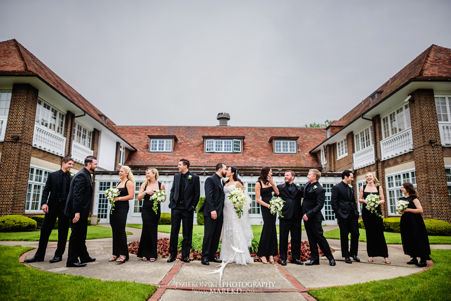 mara-scott-detroit-golf-course-wedding-ceremony-reception-outdoor-spring-photographer-pictures-ideas-michigan24