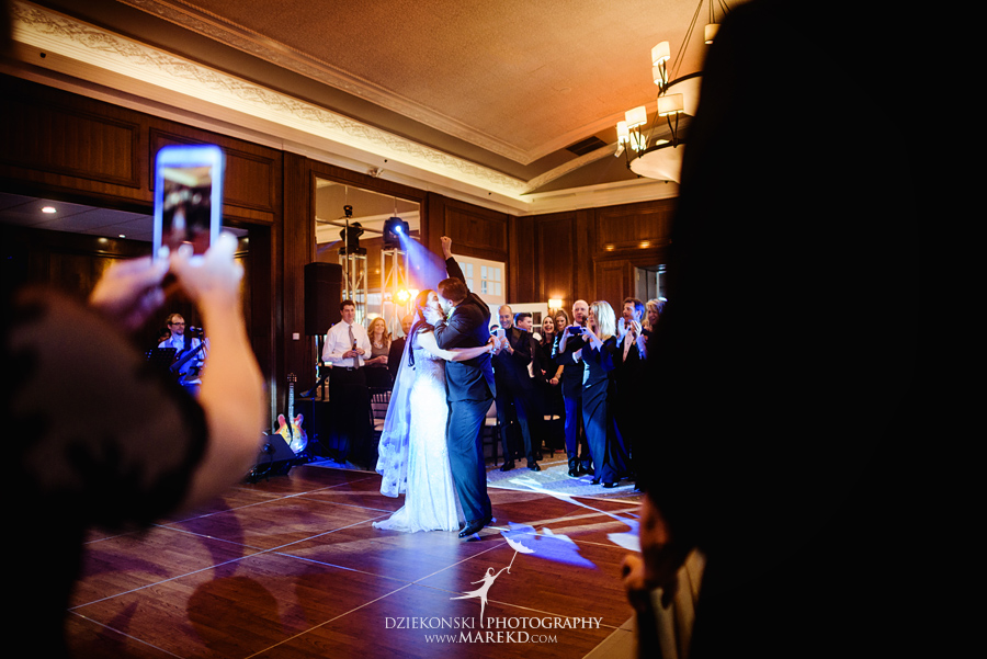 mara-scott-detroit-golf-course-wedding-ceremony-reception-outdoor-spring-photographer-pictures-ideas-michigan52