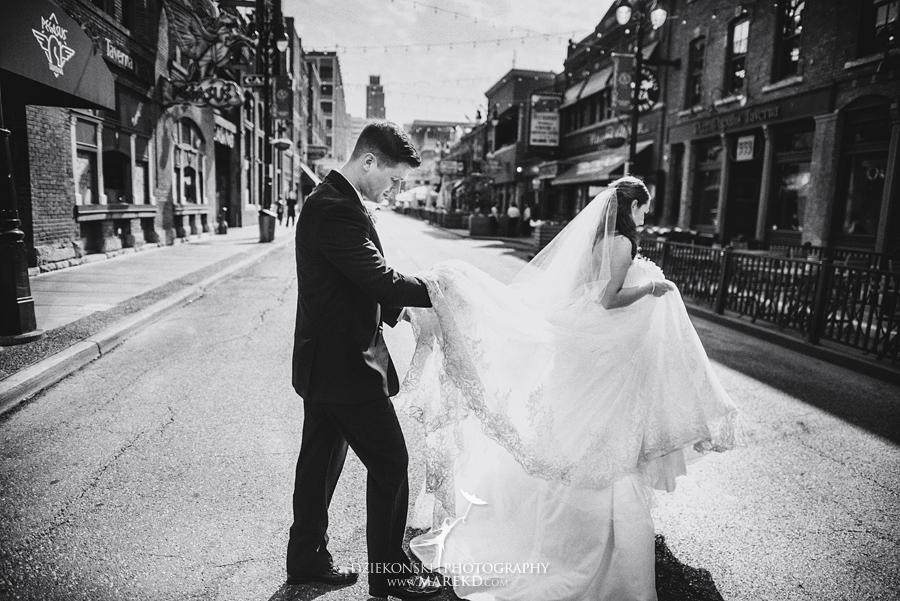 mary-dan-wedding-ceremony-mass-reception-old-st-marys-detroit-michigan-boulder-pointe-golf-club-oxford-spring29