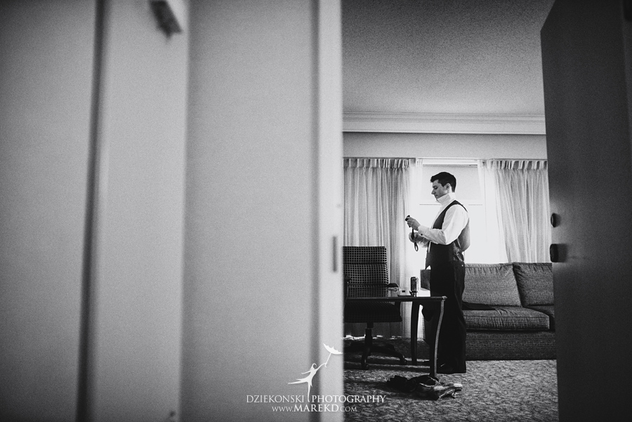Lauren-Kevin-centerpoin-marriott-bloomfield-hills-st-hugo-of-the-catholic-church-ceremony-reception-wedding-pictures-photographer-michigan02
