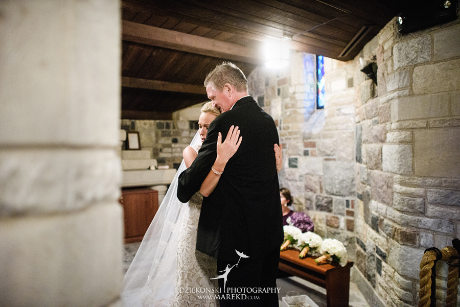 Lauren-Kevin-centerpoin-marriott-bloomfield-hills-st-hugo-of-the-catholic-church-ceremony-reception-wedding-pictures-photographer-michigan17