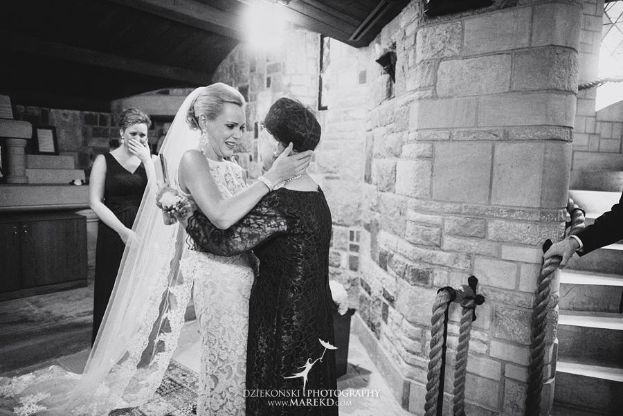 Lauren-Kevin-centerpoin-marriott-bloomfield-hills-st-hugo-of-the-catholic-church-ceremony-reception-wedding-pictures-photographer-michigan19