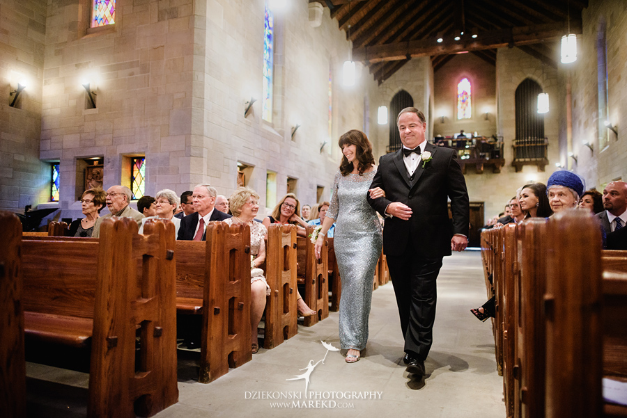 Lauren-Kevin-centerpoin-marriott-bloomfield-hills-st-hugo-of-the-catholic-church-ceremony-reception-wedding-pictures-photographer-michigan20