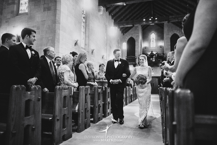 Lauren-Kevin-centerpoin-marriott-bloomfield-hills-st-hugo-of-the-catholic-church-ceremony-reception-wedding-pictures-photographer-michigan25