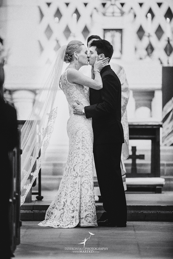 Lauren-Kevin-centerpoin-marriott-bloomfield-hills-st-hugo-of-the-catholic-church-ceremony-reception-wedding-pictures-photographer-michigan29