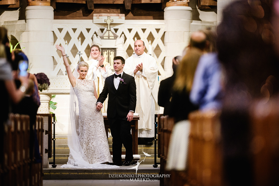 Lauren-Kevin-centerpoin-marriott-bloomfield-hills-st-hugo-of-the-catholic-church-ceremony-reception-wedding-pictures-photographer-michigan30