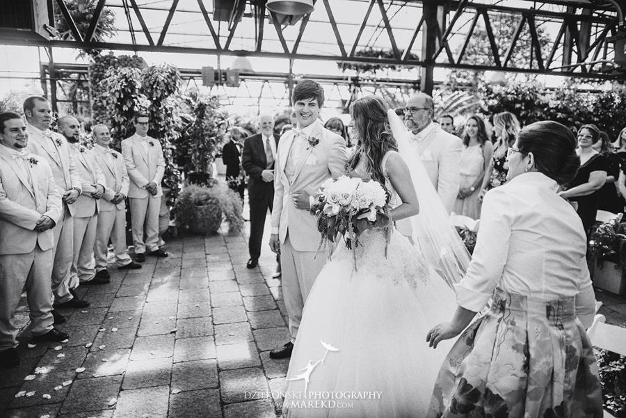 Planterra-samantha-eric-wedding-eremony-reception-greenhouse-botanical-ideas-pictures-photos-photographer-detroit-bloomfield31