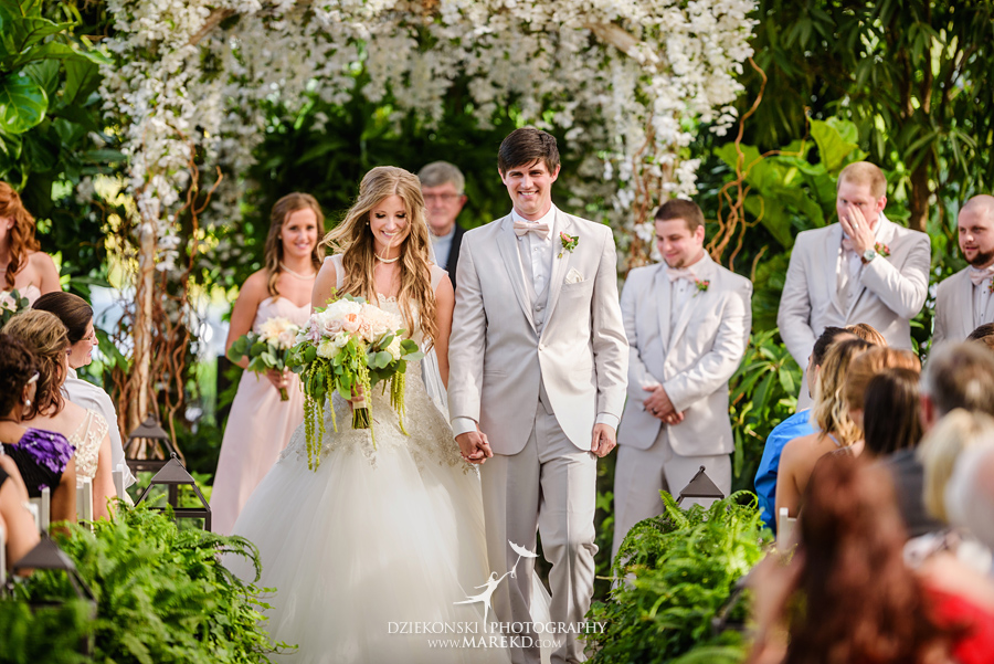Planterra-samantha-eric-wedding-eremony-reception-greenhouse-botanical-ideas-pictures-photos-photographer-detroit-bloomfield38